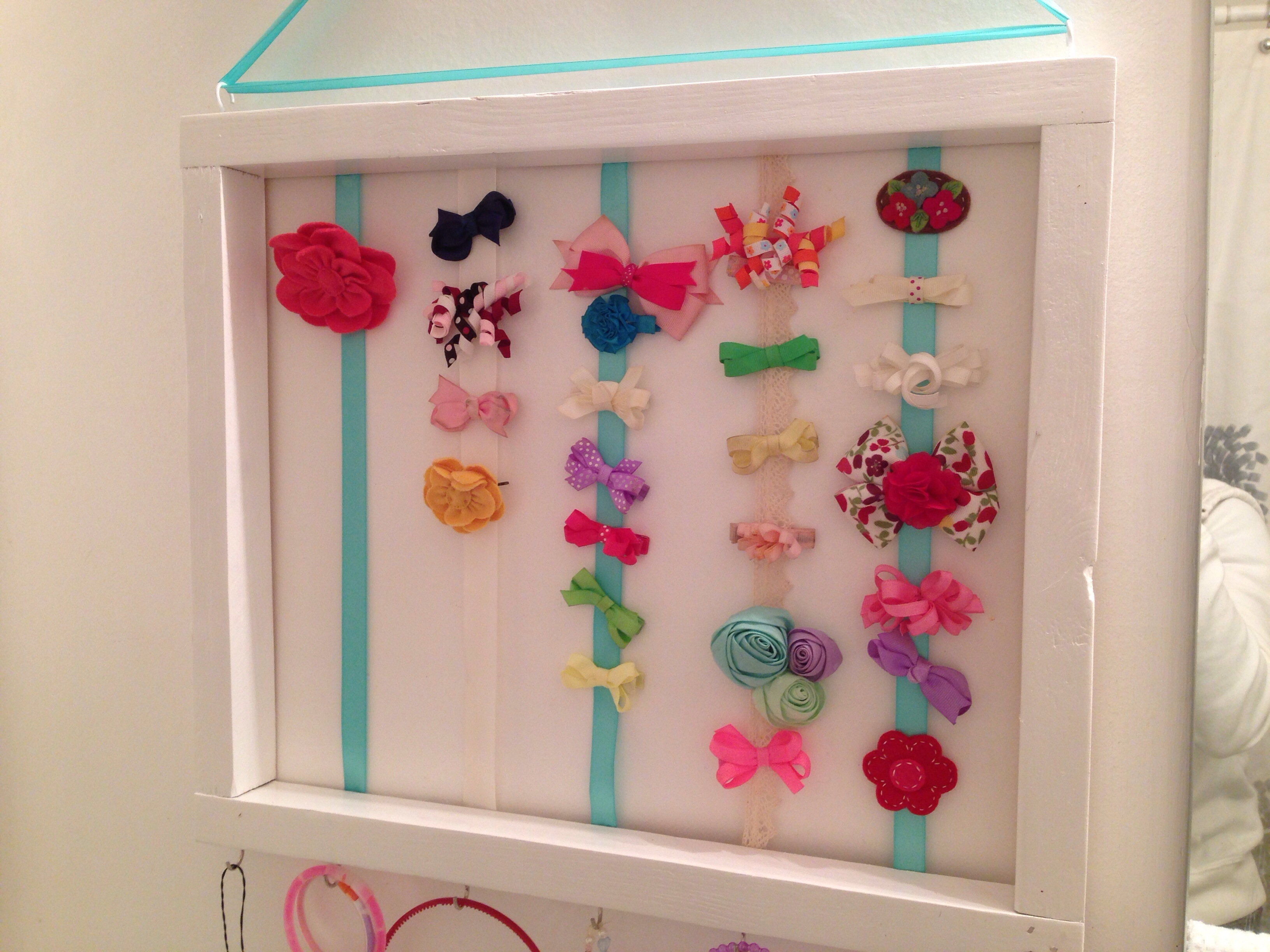 How to organize hair bows - I Must Have Cabin Fever Or Maybe It S Just The Post Holiday Crush Because I Ve Been On An Organizing Spree Again I Have An Ongoing List In Evernote Of